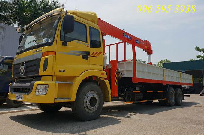 xe tải auman 3 chân gắn cẩu kanglim 7 tấn