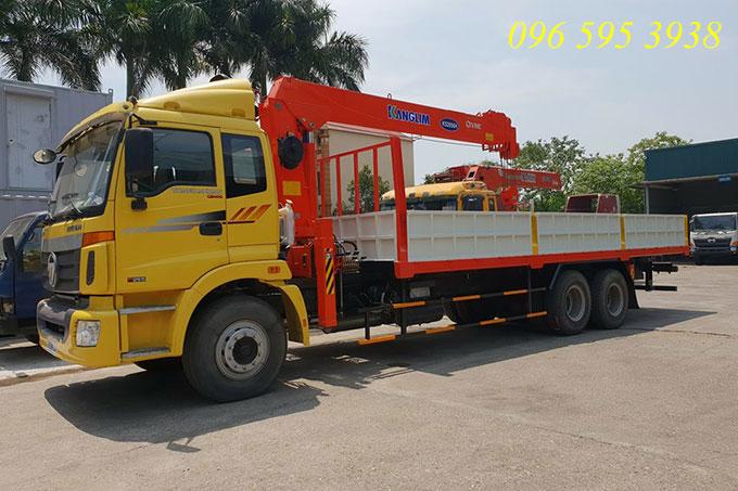 xe tải thaco auman 3 chân gắn cẩu kanglim 7 tấn
