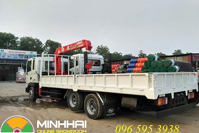 hyundai hd210 gắn cẩu unic 3 tấn
