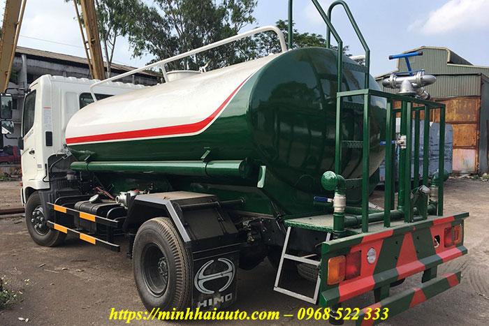 xe phun nước rửa đường 6 khối hino