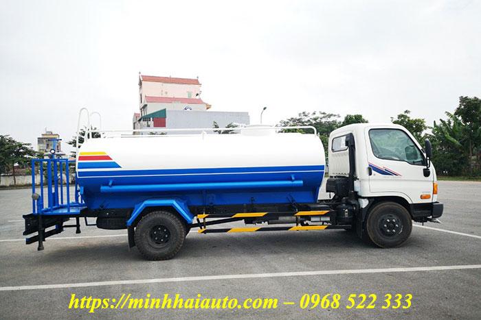 xe phun nước rửa đường hyundai 7 khối