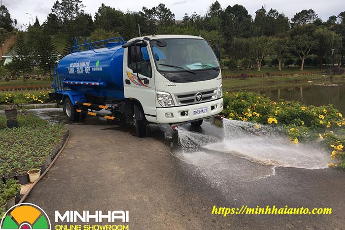 xe phun nước rửa đường ollin 700c