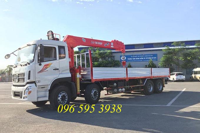 xe tải dongfeng gắn cẩu atom 7 tấn