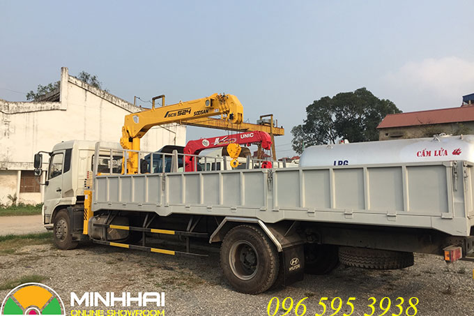xe tải dongfeng gắn cẩu soosan 5 tấn