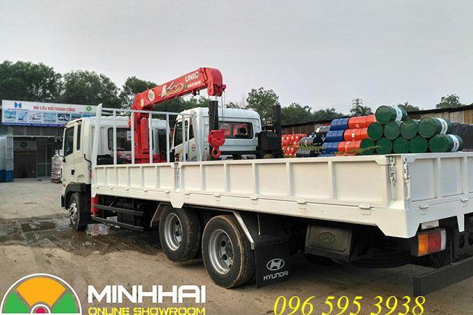 xe tải hyundai hd210 gắn cẩu unic 3 tấn 3 đốt urv343
