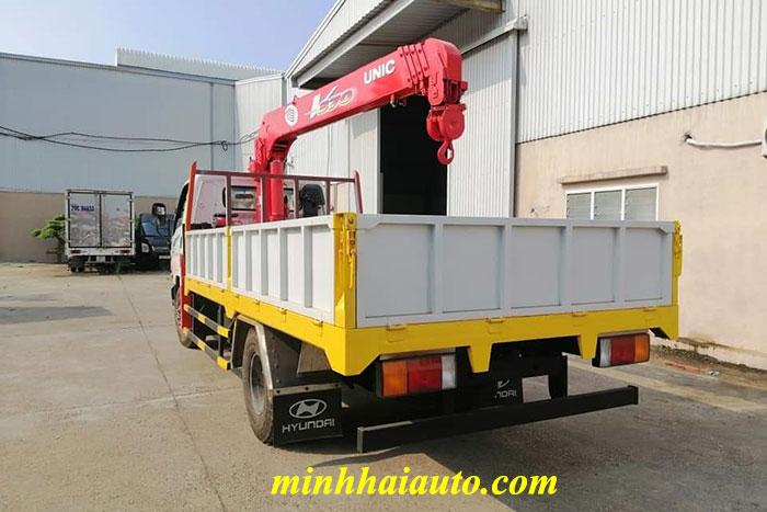 xe hyundai 110s gắn cẩu unic 3 tấn