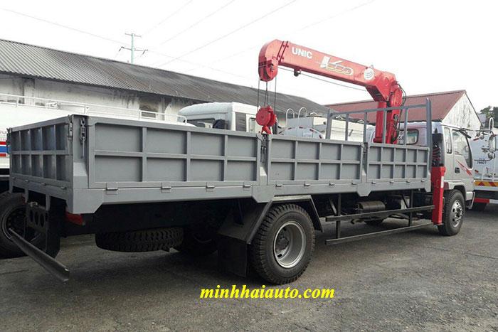 xe tải jac hfc1383k1 gắn cẩu unic 5 tấn
